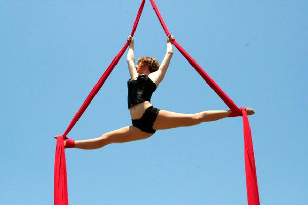 aerial silks gymnastics core arm strength acrobatics