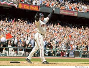 2007 barry bonds breaks hank aaron home run record of 755