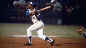 hank aaron broke babe ruth's all time home run record in 1974