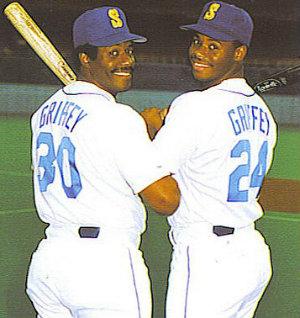 1990 ken griffey junior and senior hit home runs in the same game