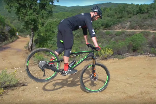 3 Easy Mountain Bike Tricks For Beginners Active Cities